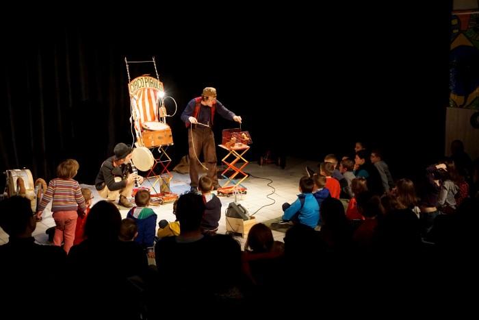 circo pirulo-theatre d'objets